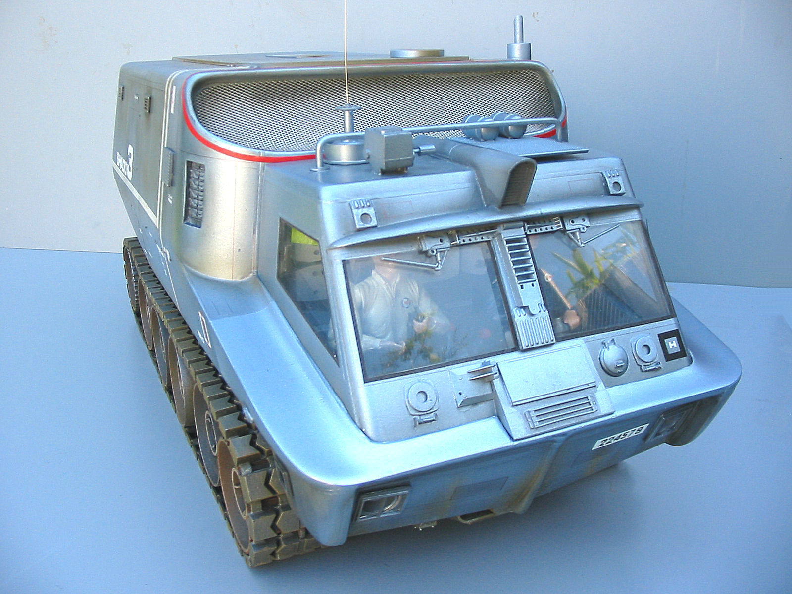 SHADO MOBILE 15